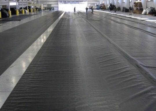 Nilon lót sàn bê tông –  Màng HDPE lót sàn HDPE 3 LỚP 18